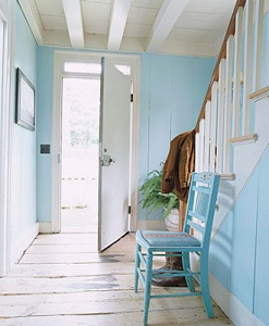 Custom Home Building: Enhance Your Entryway with Color
