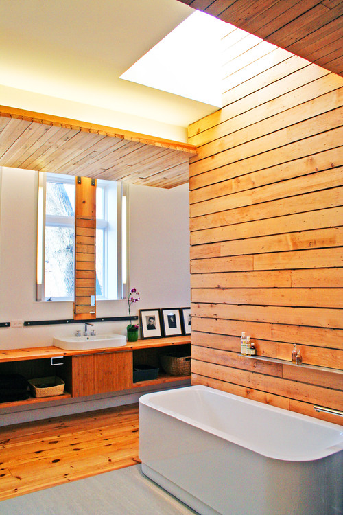 Remodel Home Building: Give Your Bathroom a Classic Theme with Wood